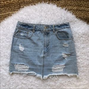 Forever 21 Distressed Denim Skirt Size 26